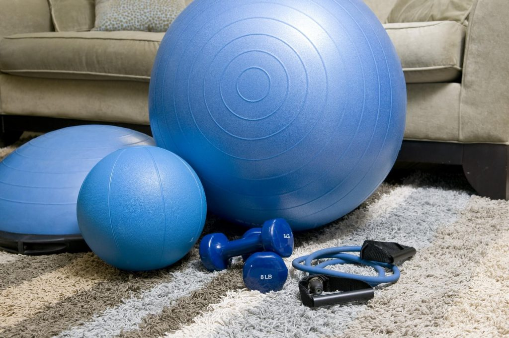 How to burn fat and gain muscle with at home workouts.