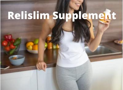 Women holding Relislim bottle.
